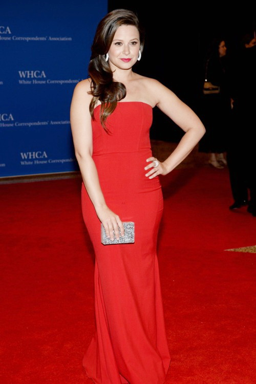 Best.Dressed.Celebrities.at.WHCD.2014.N.8.KATIE.LOWES.1