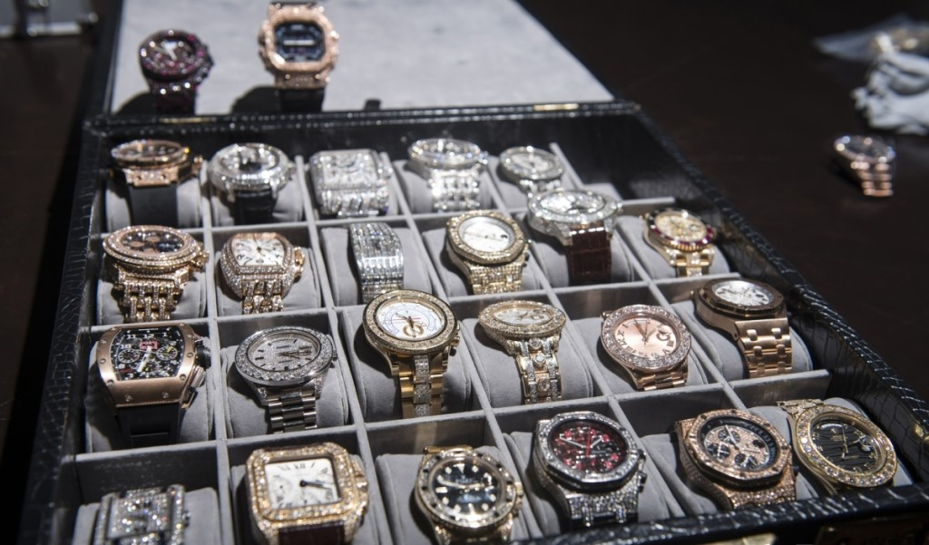 Floyd Mayweather's Car Collection Is Absolutely Insane