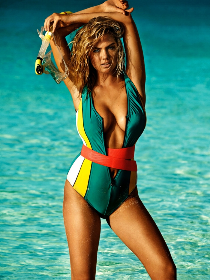 Kate Upton In A Hot Cover Shoot For Vogue UK (9)