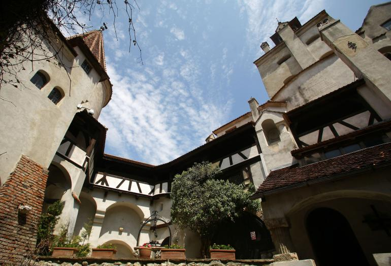 Dracula's Castle is Up for Sale! How much does it cost to buy Dracula's Castle? Home of the most popular vampire in the world is now up for sale! draculas castle interior for sale vintage vampire furniture (2)