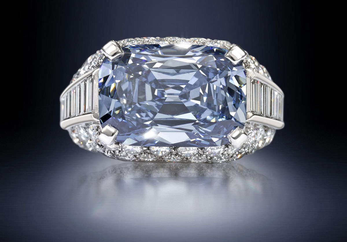 of Most Expensive Engagement Ring in the World: Bvlgari Blue - Alux.com