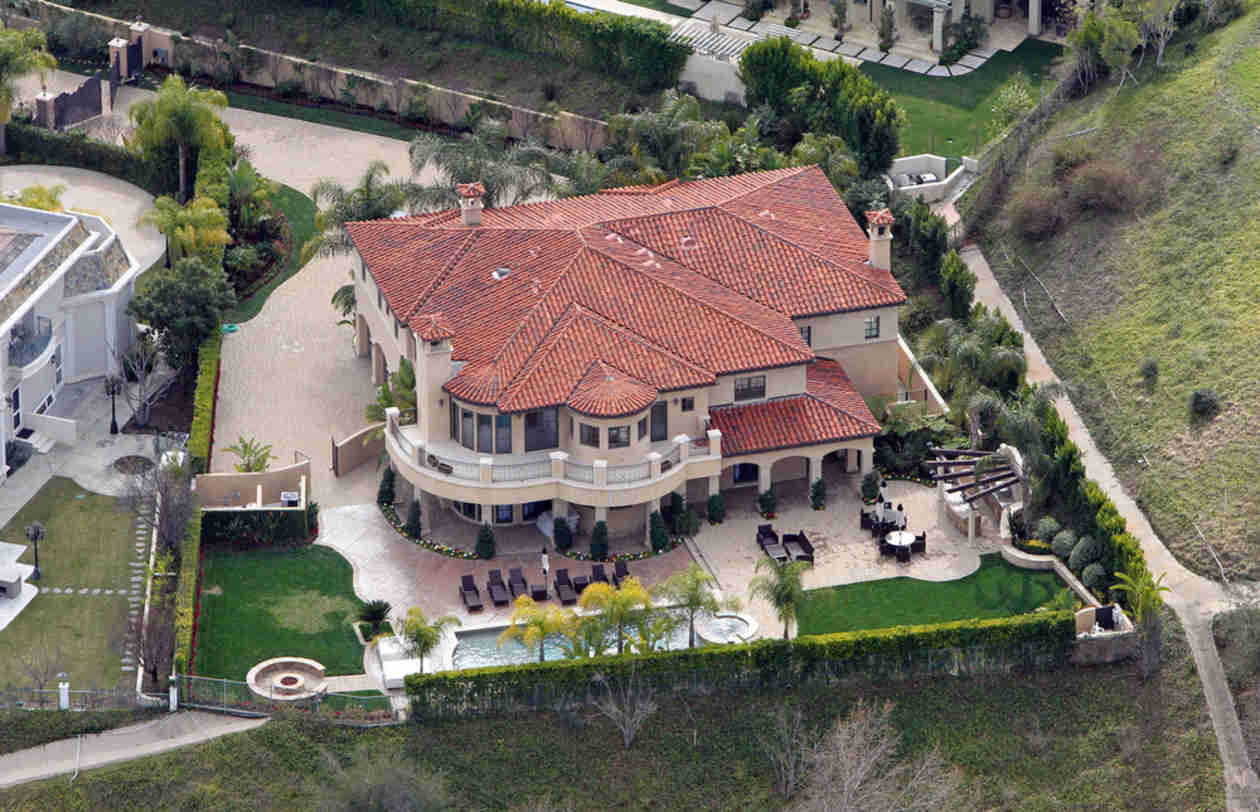 Pics of celebrity homes - 10 Celebrity Homes That Are Worth More Because They Lived There