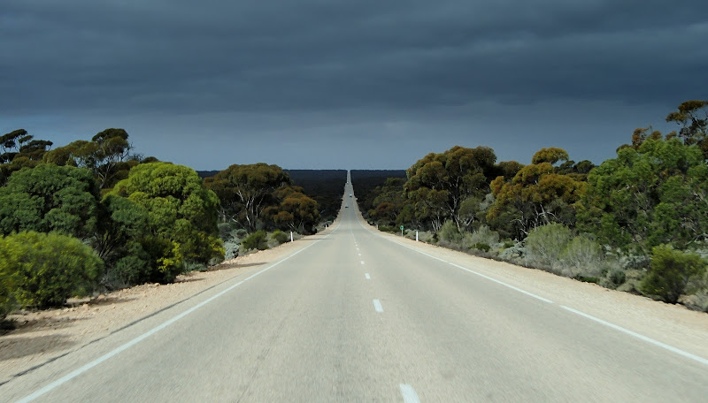 The 10 Most Dangerous Roads in the World N10. Eyre Australia
