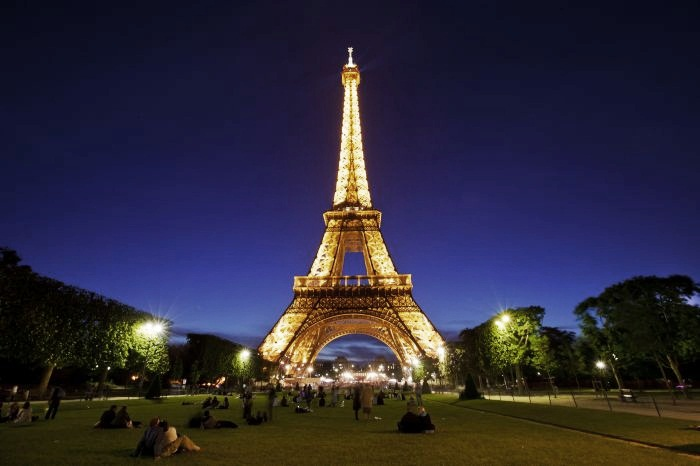 Most Expensive European Monuments Top 10 4. Eiffel Tower, Paris, France - $544 billion