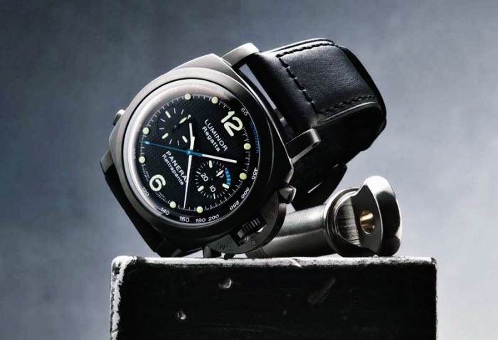 10 Celebrities With Expensive Watches 10. Sylvester Stallone - Panerai Luminor 1950 Regatta Rattrapante - $20.000