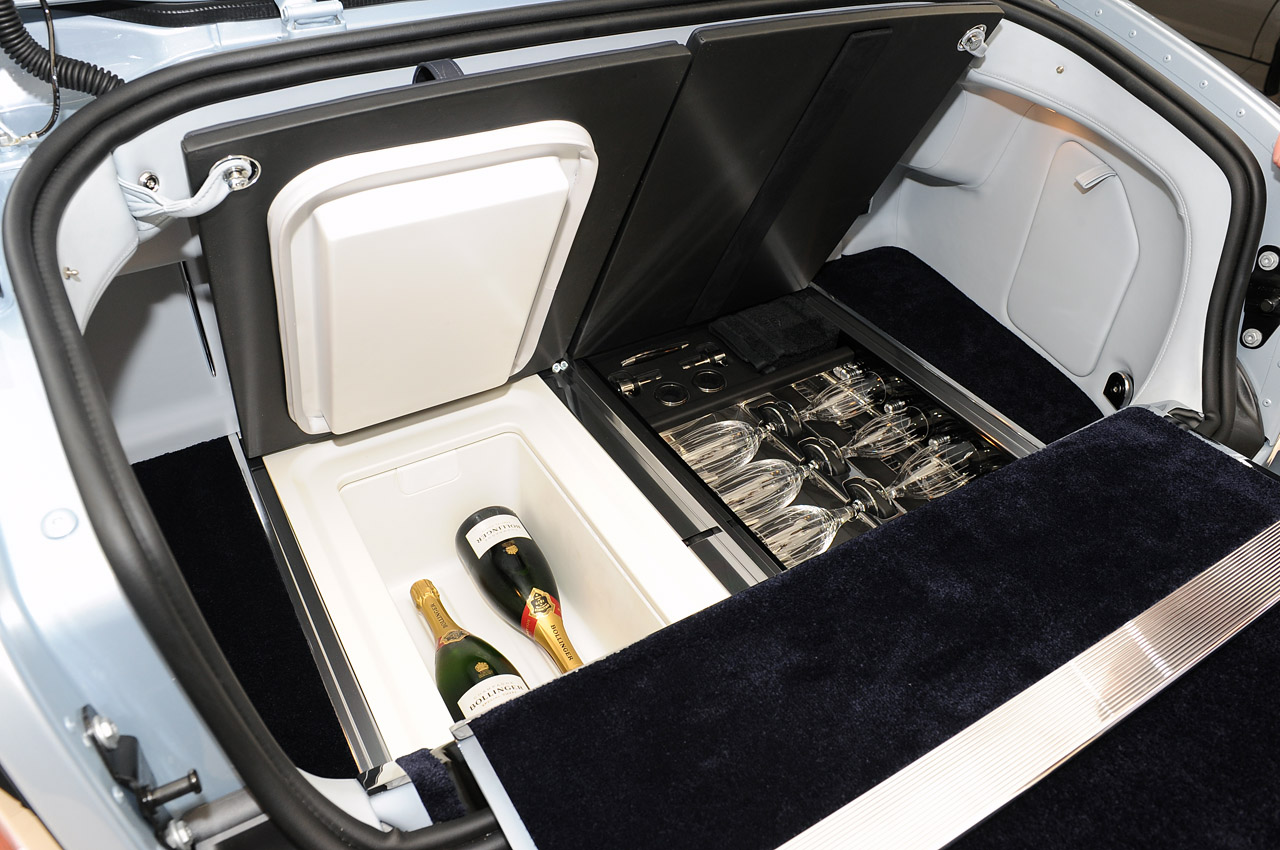 10 Most Expensive Luxury Car Options For The Billionaires - Rolls Royce Phantom - Drinks Cabinet  - $19.450