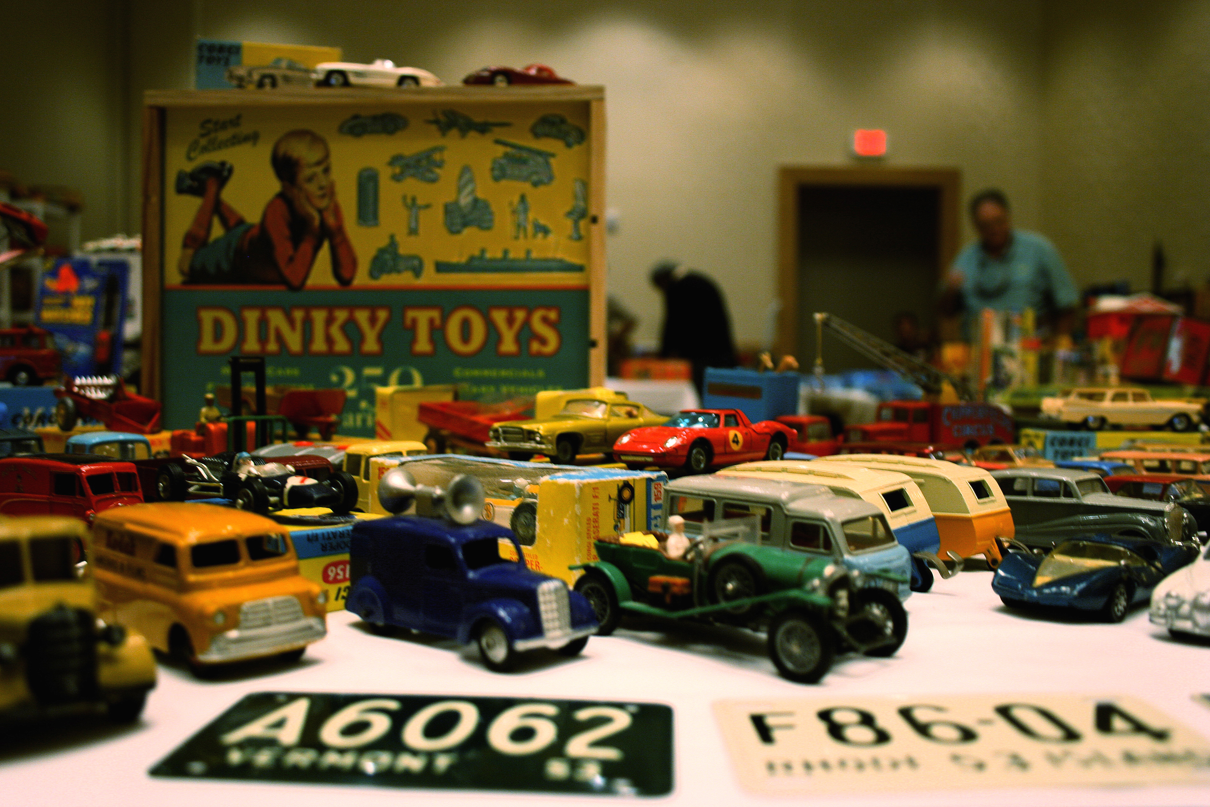 10 Strangely Interesting Pawn Shop Businesses That Make Money - 10. Antique Toys