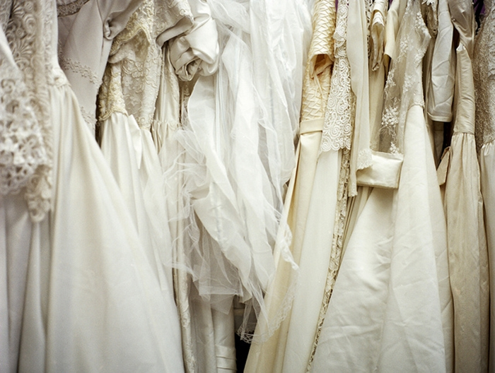 Strangely interesting pawn shop businesses that make money for Pawn shops that buy wedding dresses