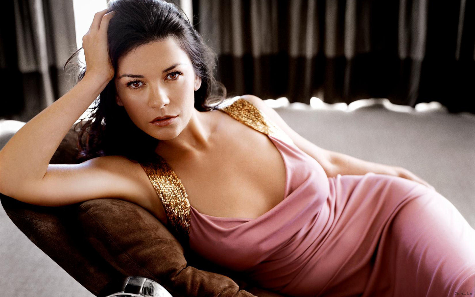 10 Stunning Celebrity Favourite Vacation Spots - Mallorca, Spain - Catherine Zeta-Jones