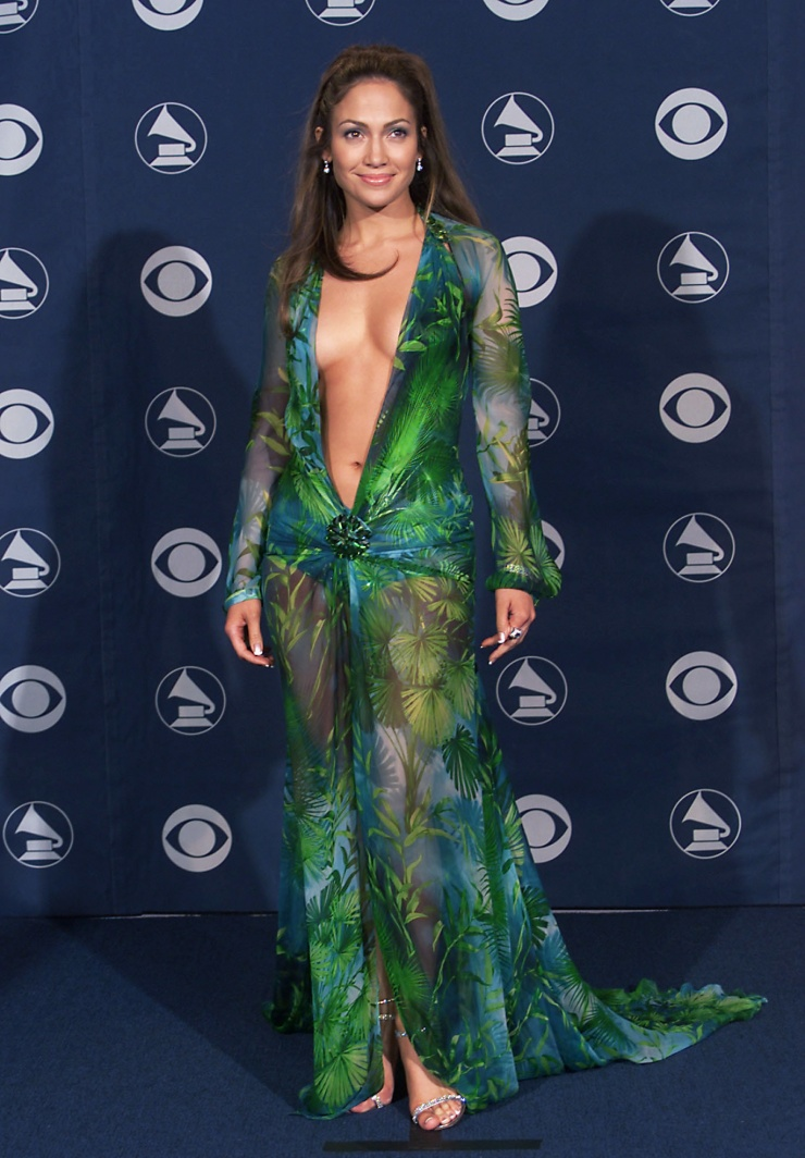 10 Stylish And Provocative Dresses Worn By Celebrities - Jennifer Lopez -Grammy Awards, 2000