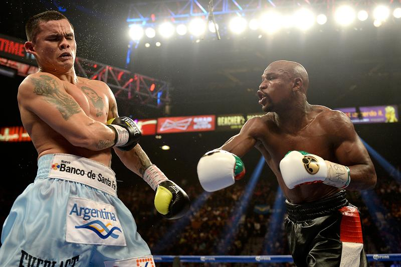 11 Celebrities That Have Too Much Money To Spend - Floyd Mayweather -  Fight Tickets - $605.000