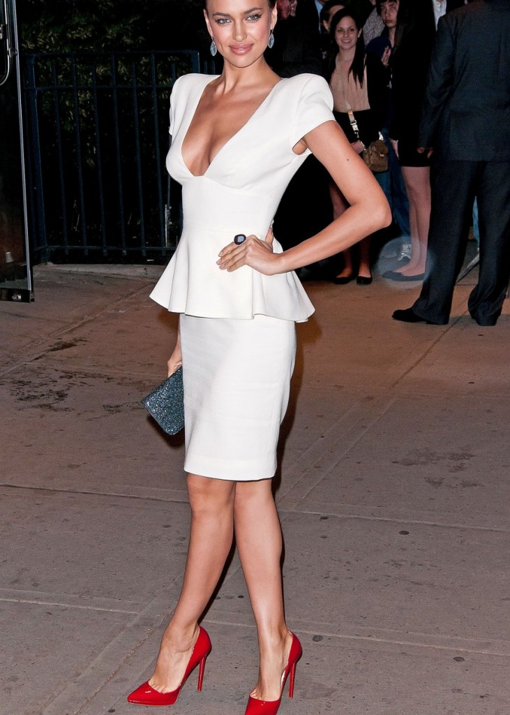 How To Wear A White Dress | Top 10 - Color