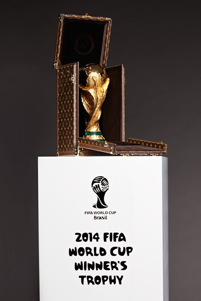 FIFA World Cup Trophy- the most Expensive And Fashionable Trophy