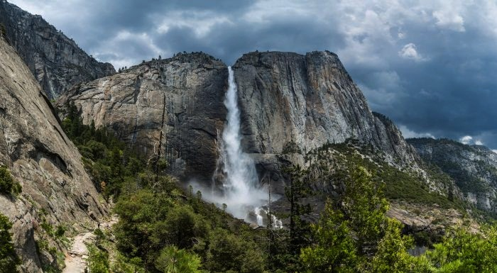 Most Breathtaking Waterfalls Around the World 9. Yosemite Falls, USA