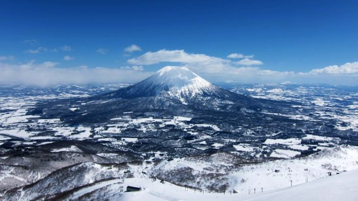 Most Luxurious Snowy Destinations In Asia 10. Niseko, Japan