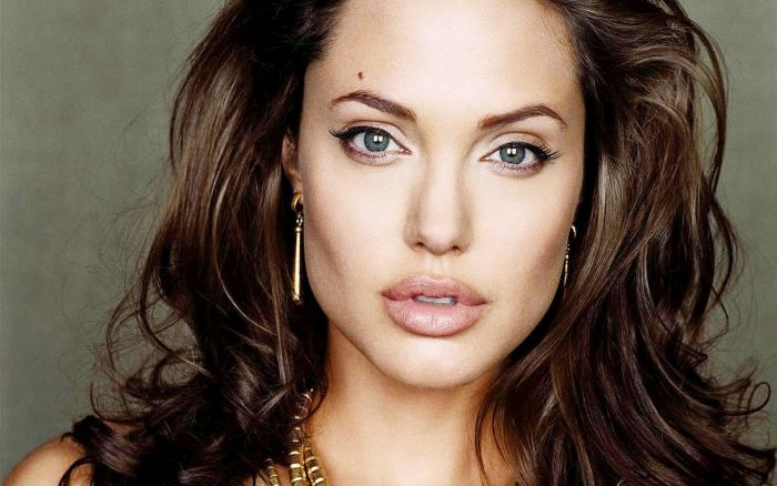 Richest Typecast Movie Stars  Top 10 5. Angelina Jolie – Net worth – $140 million