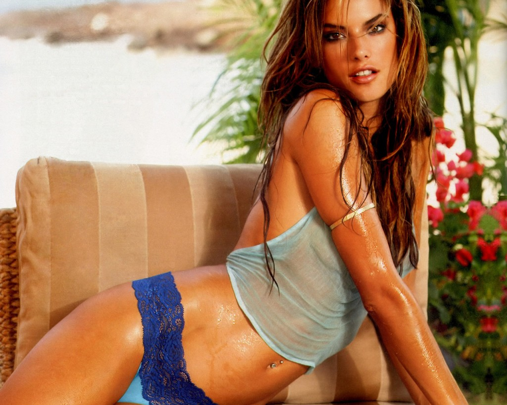Alessandra Ambrosio's Diet And Exercise Secrets |Top 10 - Small Portions