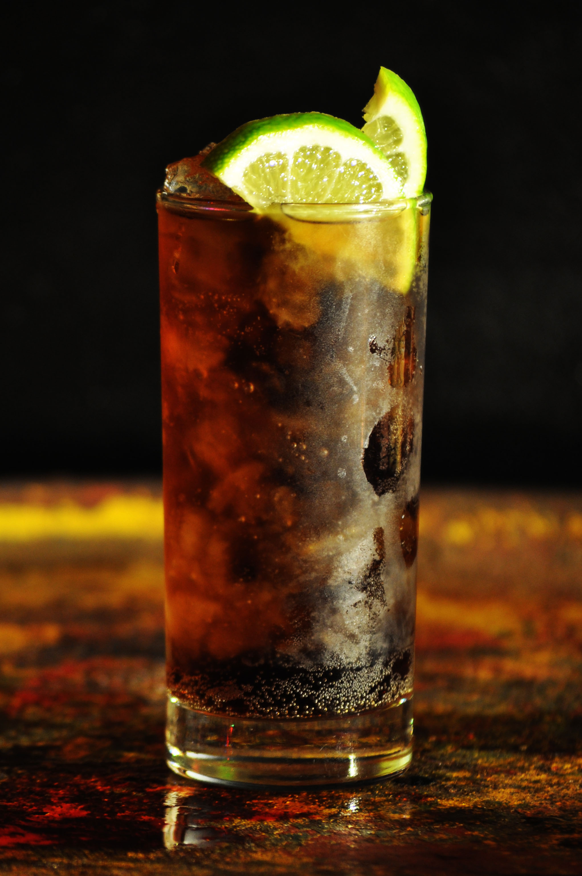 Top 10 Most Popular Cocktails In The World - Cuba Libre