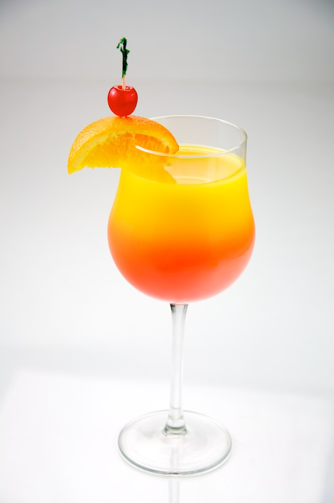 Top 10 Most Popular Cocktails In The World - Tequila Sunrise