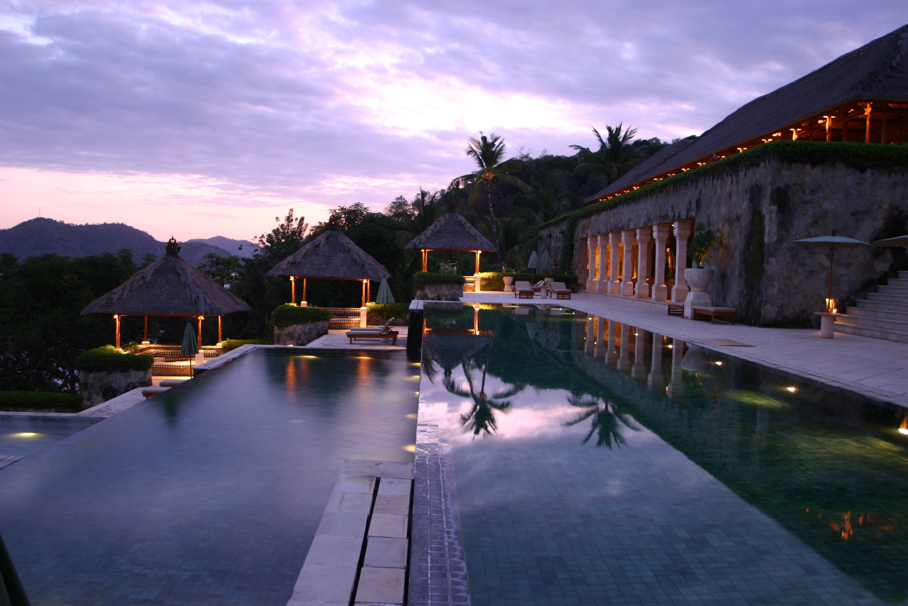Luxury honeymoon destinations top 10 for Great hotels in bali