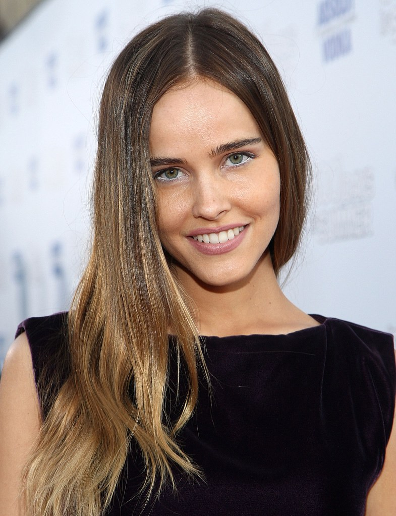 10 Celebrities Who Have A Perfect Image - Isabel Lucas