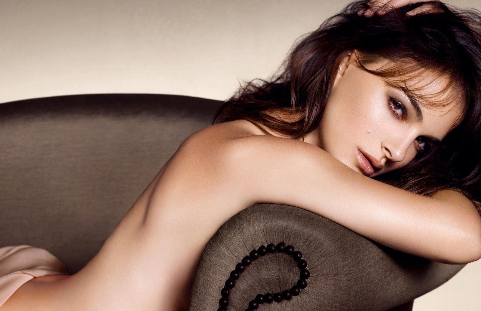 10 Celebrities Who Have A Perfect Image - Natalie Portman