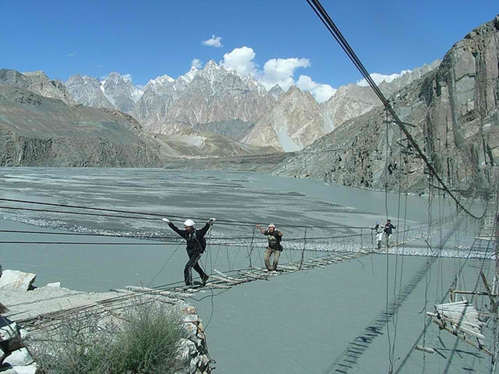 10 Most Dangerous And Deadly Pedestrian Bridges In The World - The Hussaini Hanging Bridge – Northern Pakistan