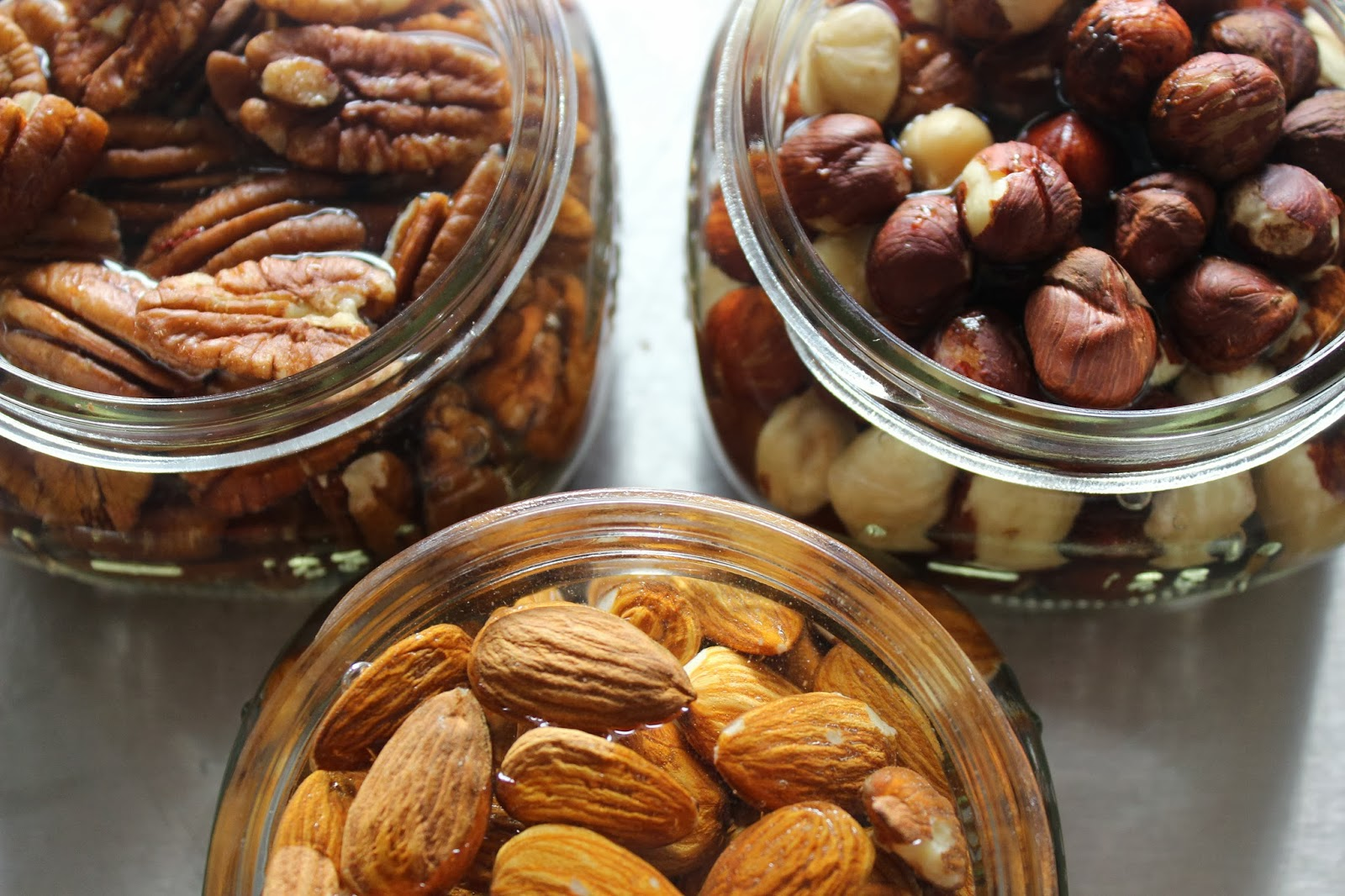 10 Surprisingly Healthy Foods High In Calories - Nuts and Seeds