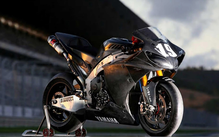 2.Yamaha YZF R1 | Fastest Motorcycles In The World | Top 10