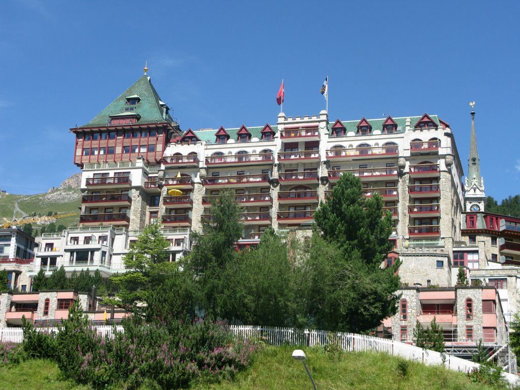 Luxury lakeside hotels top 10 for Hotel palace