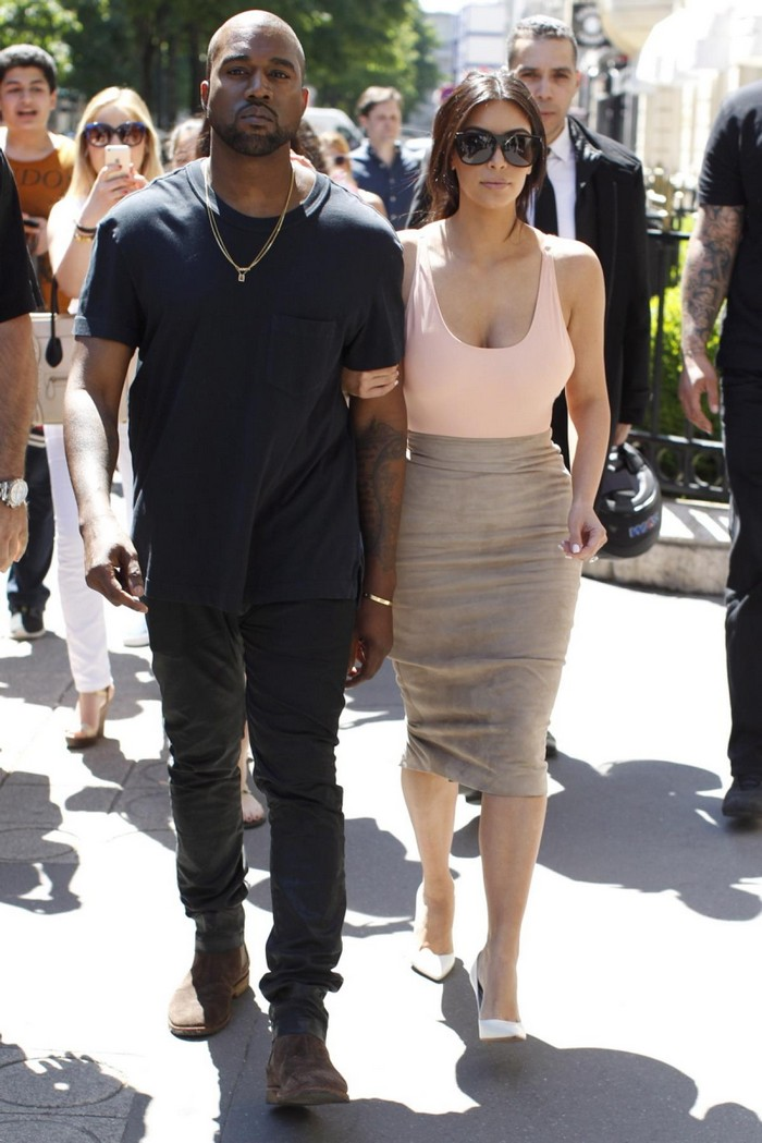 kim kardashian and kanye west dating since Kim kardashian shared a sweet new photo from her wedding with kanye west to celebrate their anniversary.
