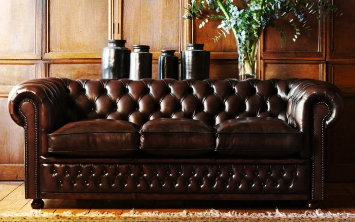 Most Luxurious Designer Couches Top 10 4. VIG Chesterfield Leather Sofa
