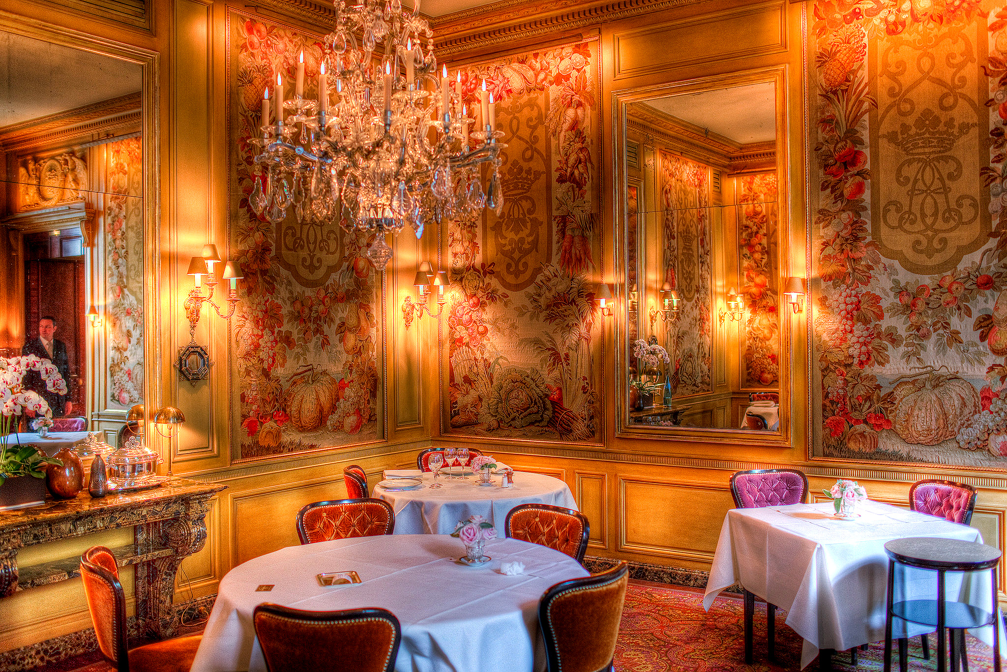 best luxury restaurants in paris top 10. Black Bedroom Furniture Sets. Home Design Ideas