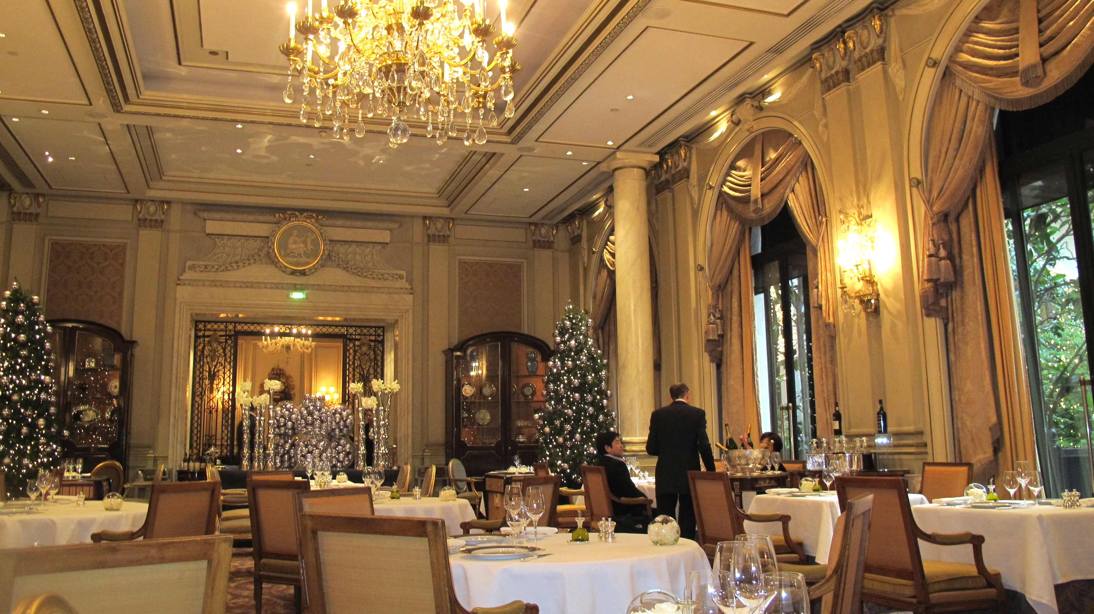 Best luxury restaurants in paris top 10 for Top hotel france