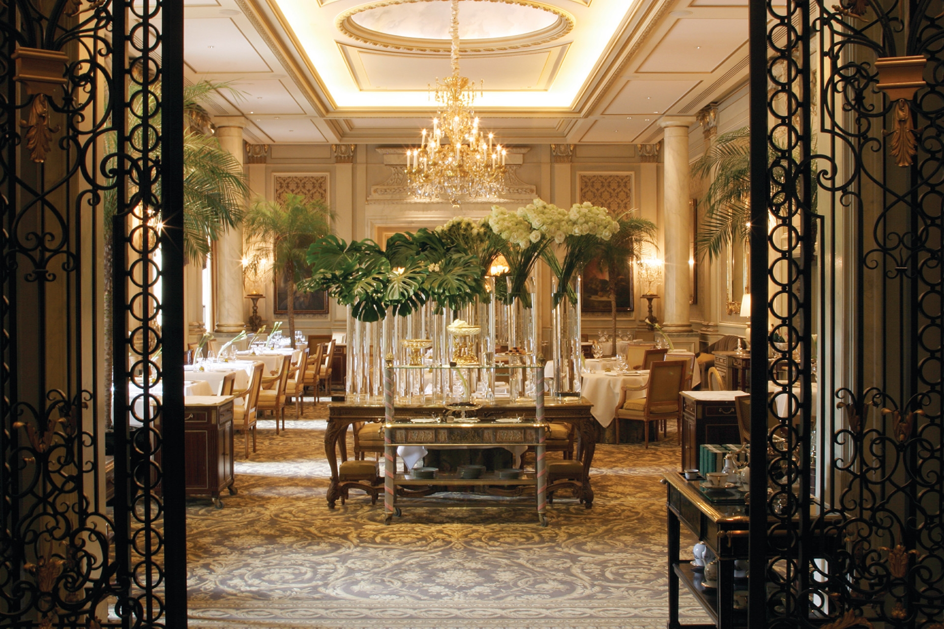 Best Luxury Restaurants In Paris Top 10