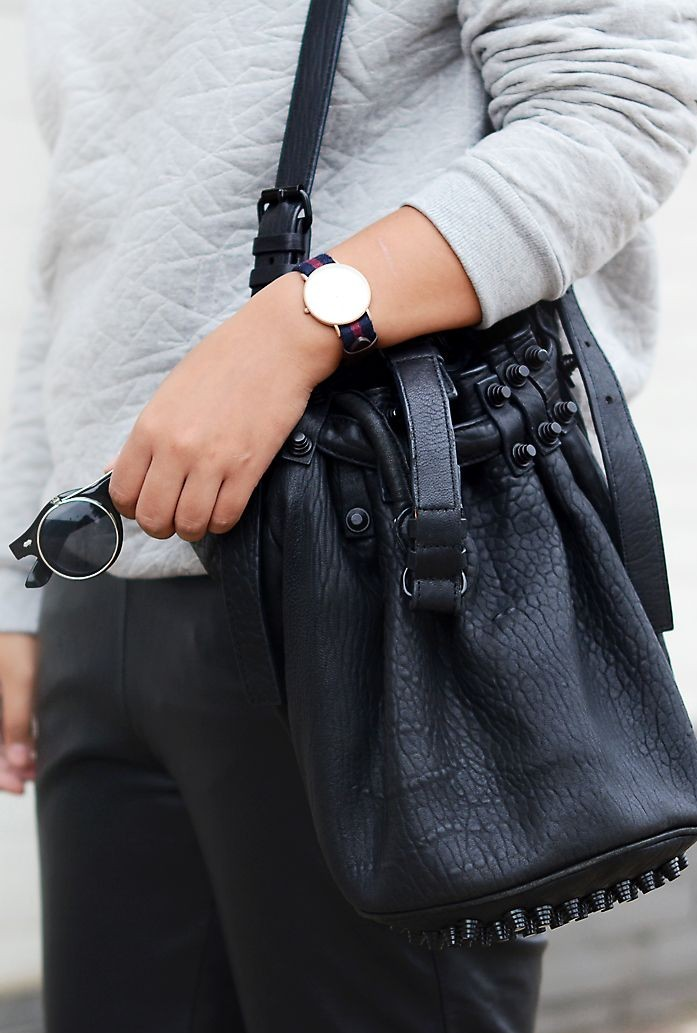 10 Must Have Items For Fall - 9. Bucket Bag (via www.pinterest.com)