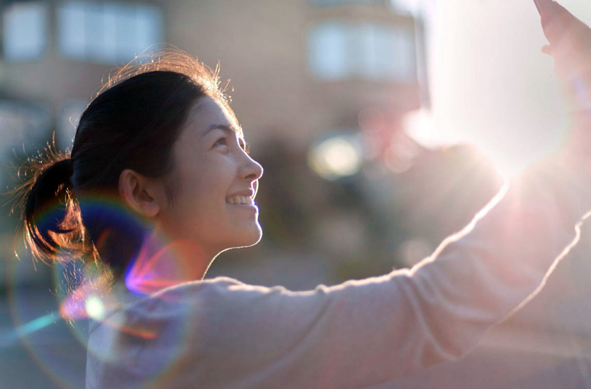 10 Tips on How to Get the Best Selfies N9. Find a Good Light