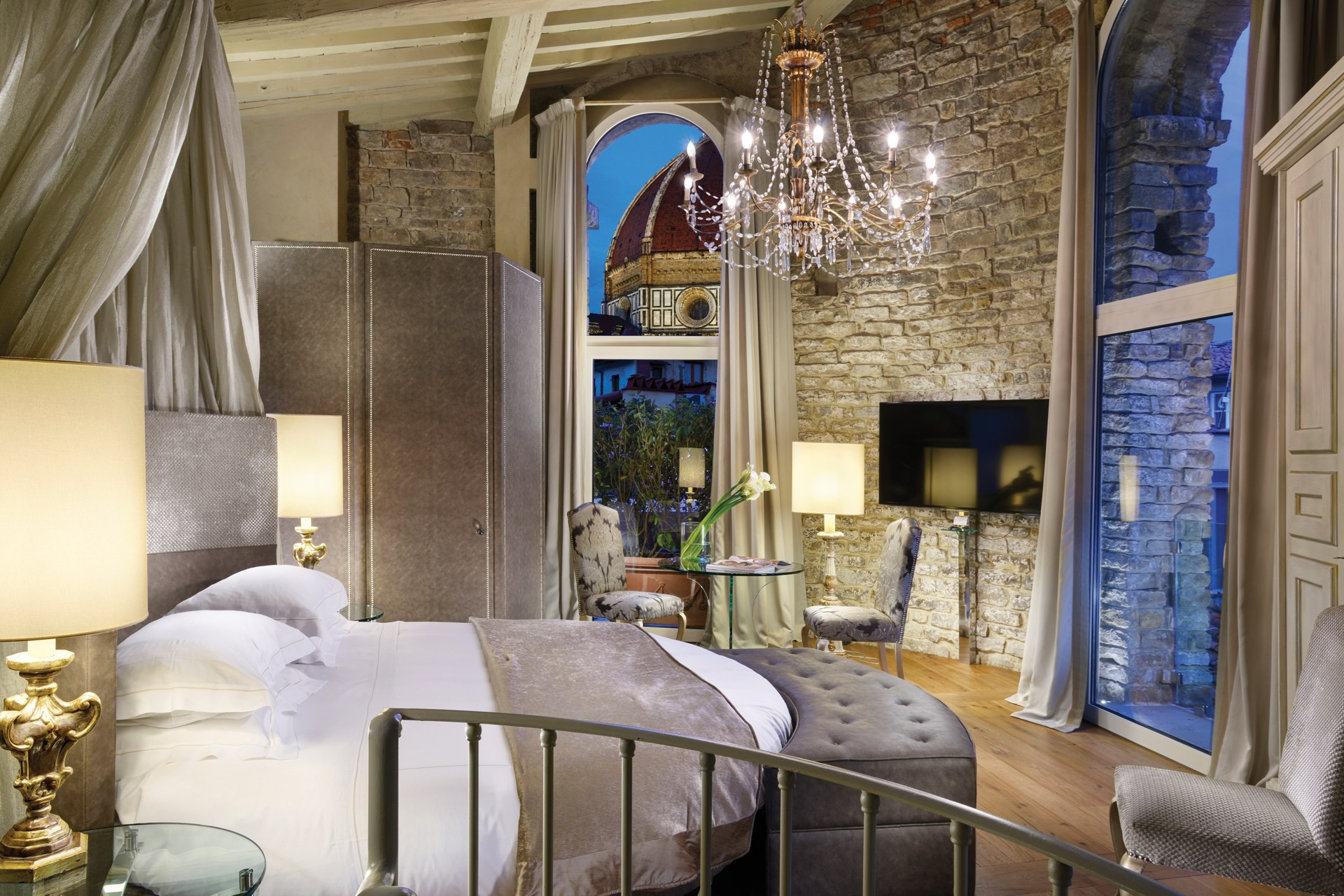 Hotel Le Crystal Best Luxury Hotels In Montreal Top 10 Source