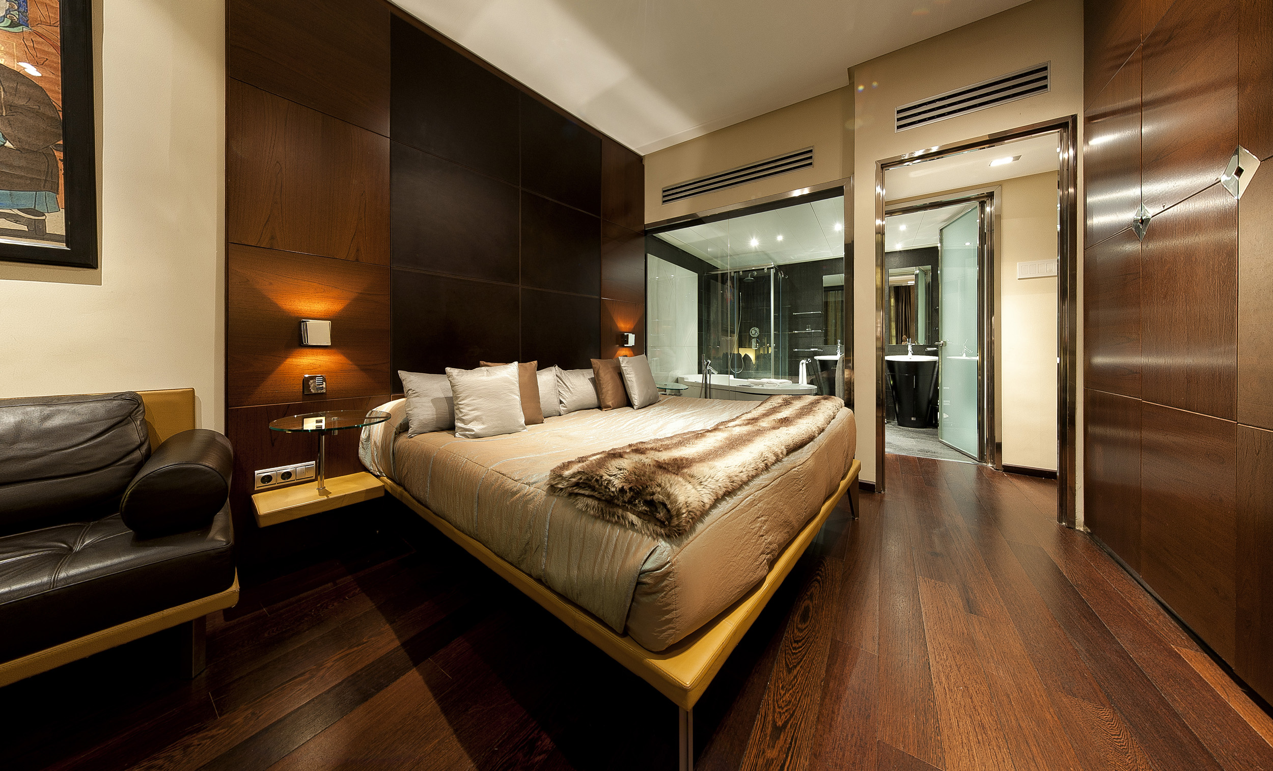Best luxury hotels in madrid top 10 ealuxe com for Design hotel urban madrid