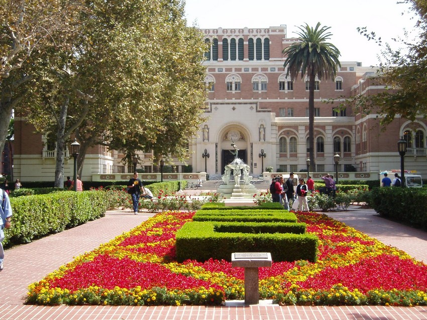 9. University of Southern California - Annual Price: $62,180 | Most Expensive Colleges in America | Image Source: http://upload.wikimedia.org/