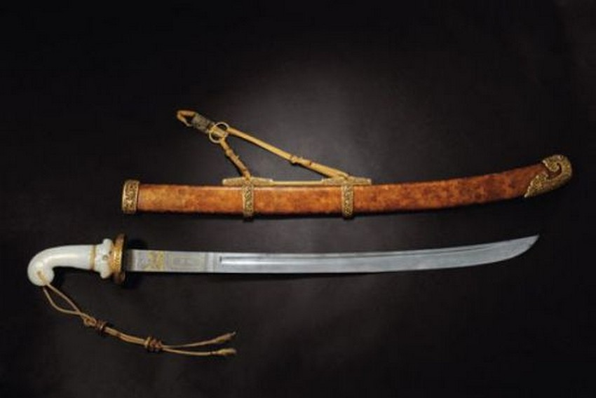 2. 18th Century Baoteng Saber – Price: $5.9 million | Most Expensive Swords in the World | Image Source: http://richieast.com/