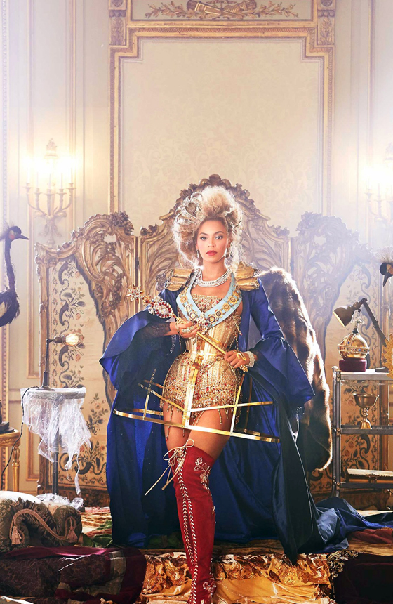 10 Expensive Things Beyonce Owns N10- Mrs. Carter Show manicure -$850
