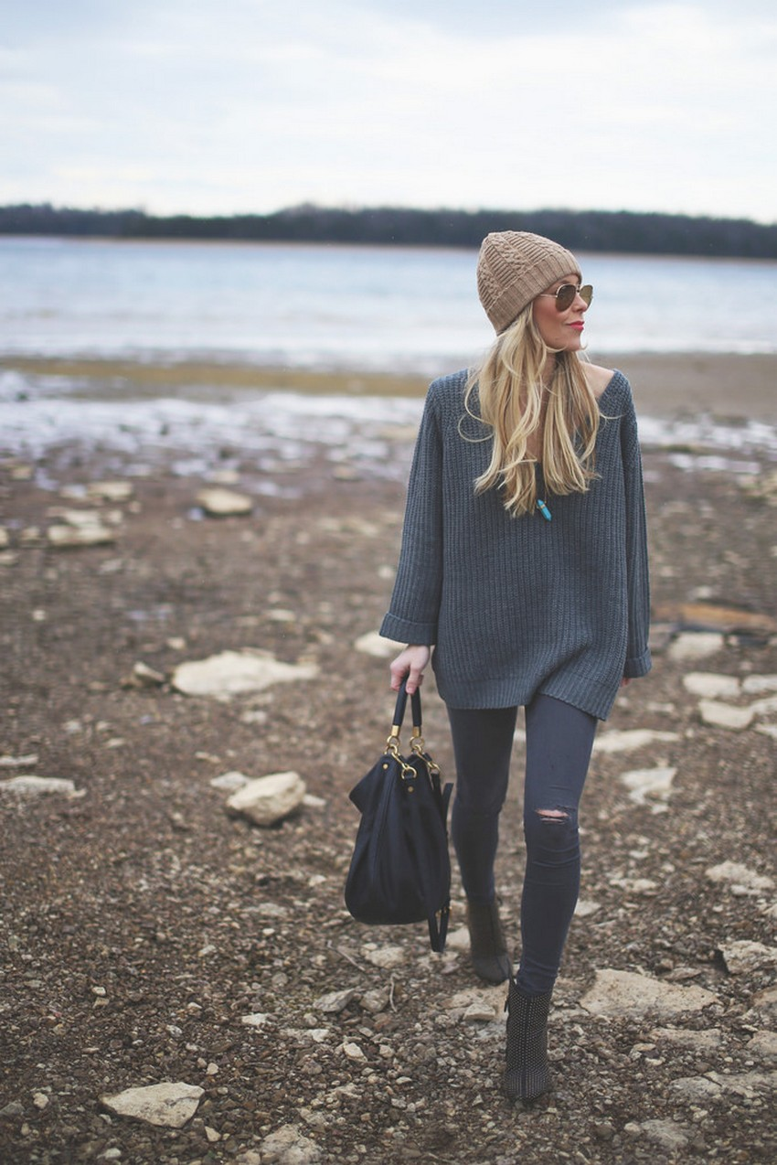 10. Leggings/Skinny Pants | How to Wear an Oversized Sweater | Image Source: http://www.happilygrey.com/