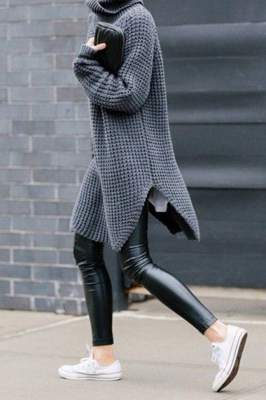 46fdf375b8 10 Tips on How to Wear an Oversized Sweater