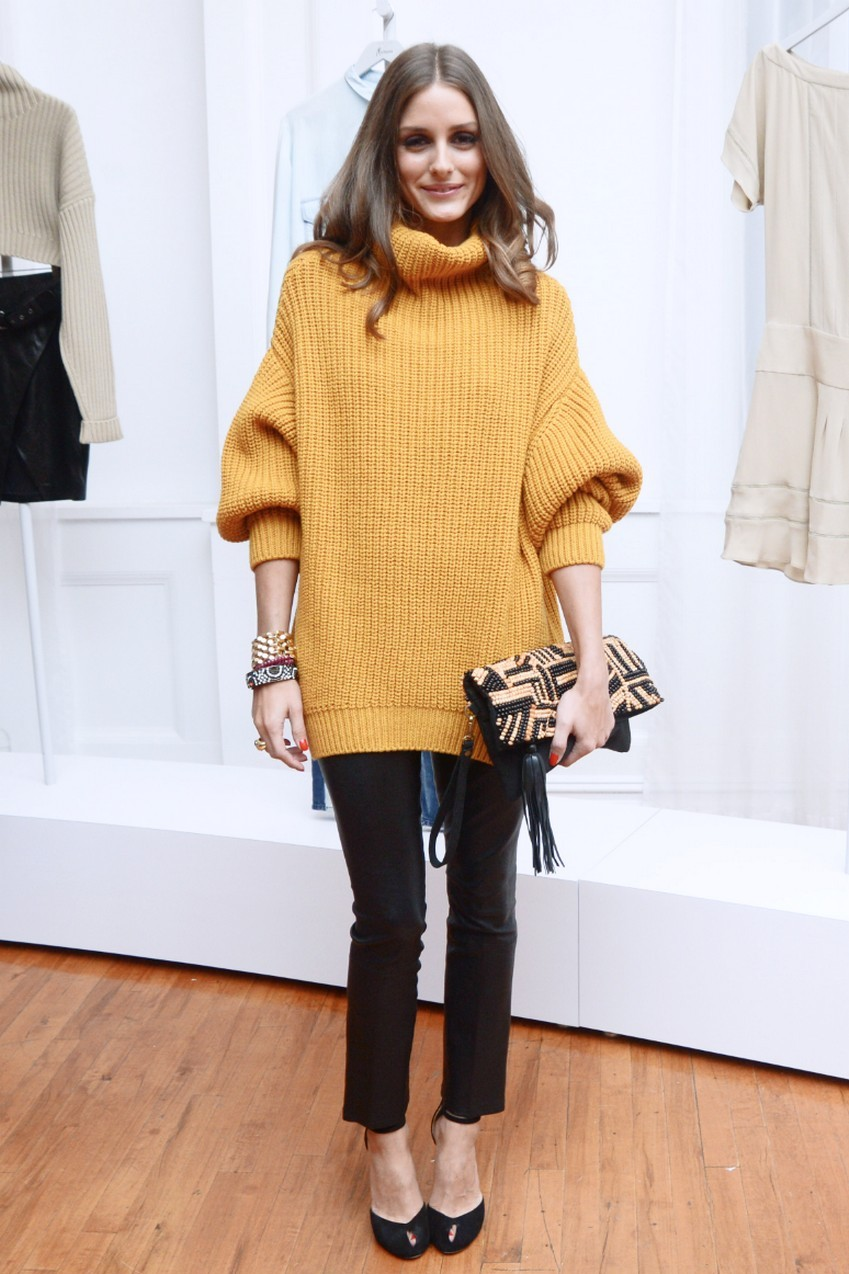 10. Leggings/Skinny Pants | How to Wear an Oversized Sweater | Image Source: http://sheimagazine.com/