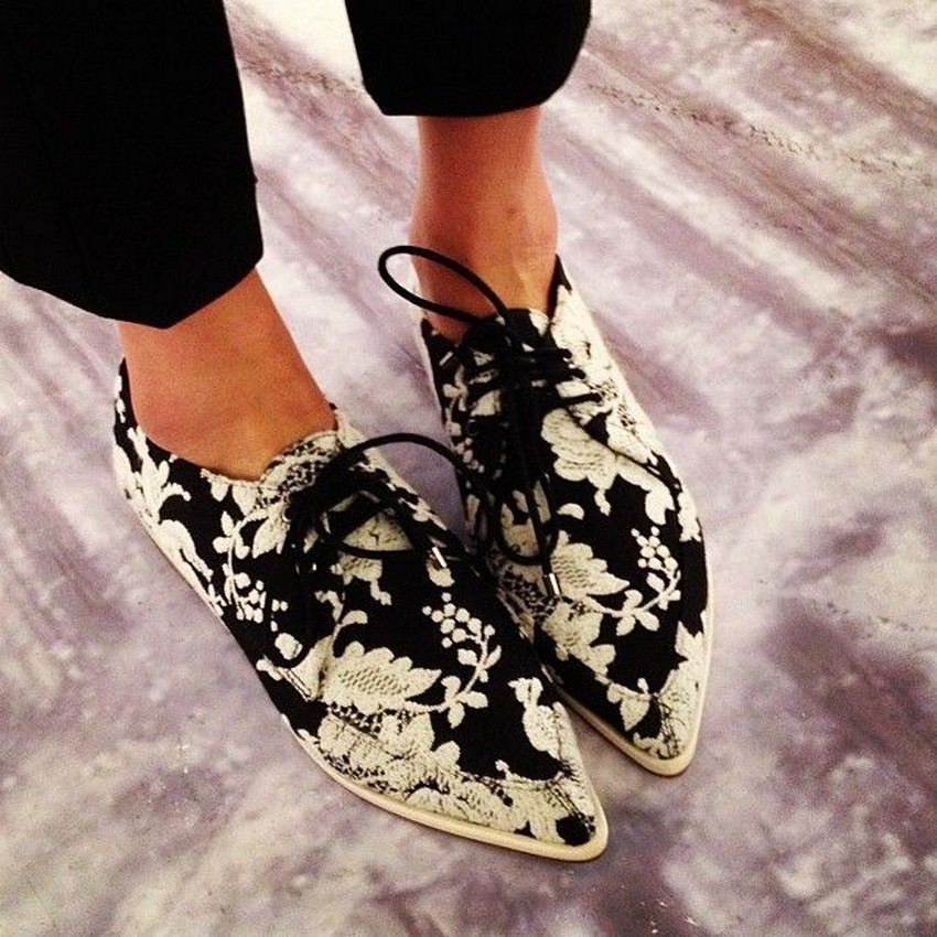 10 Must-Have Shoes For Holidays