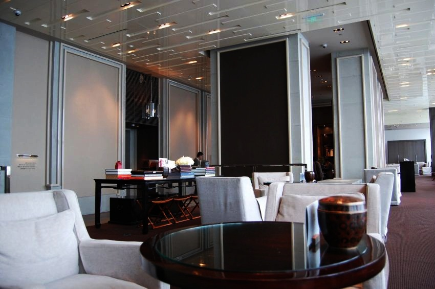 #10 Park Hyatt, Shanghai | Most High-Tech Hotels in the World | Top 10 [ Image Source: angelonyx.com]