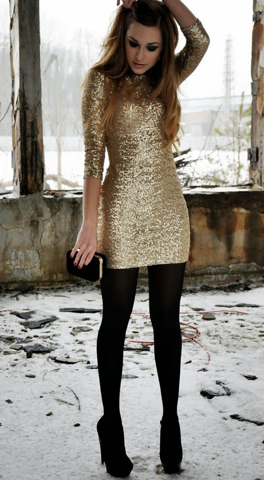 10. Sparkling | 10 Types of Dresses for Christmas Day | Image Source: http://myfashavenue.com