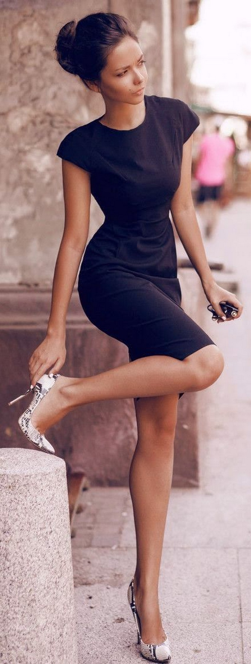 8. LBD | 10 Types of Dresses for Christmas Day | Image Source: http://emma-courtney.com