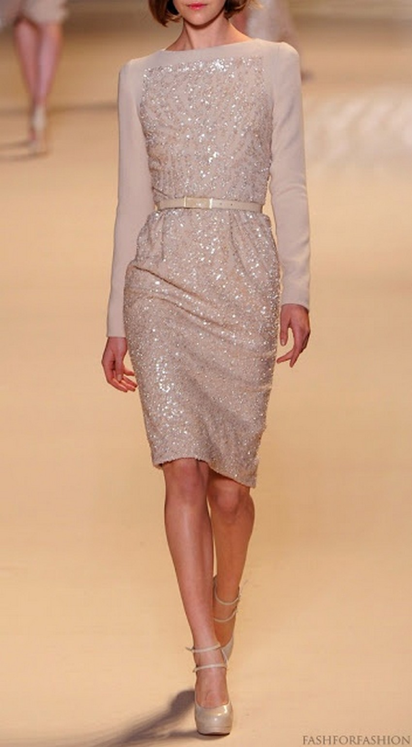 10. Sparkling | 10 Types of Dresses for Christmas Day | Image Source: http://fashforfashion.com